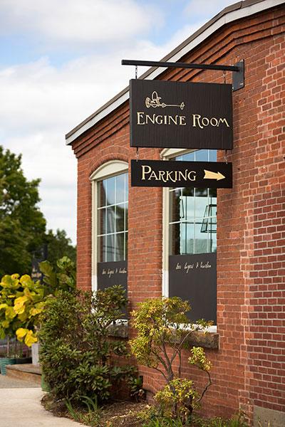 Engine Room Mystic Ct: Whaler's Inn